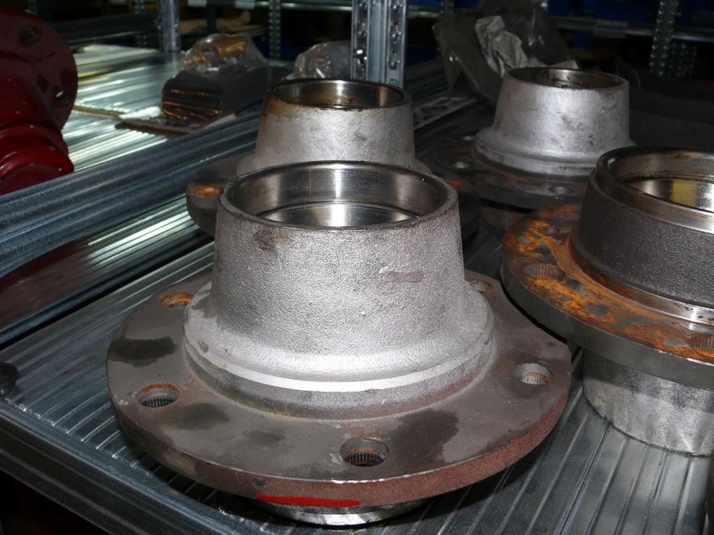 Brantner Kipper und Anhänger - Radnabe 6 Loch für M18x1,5 ADR