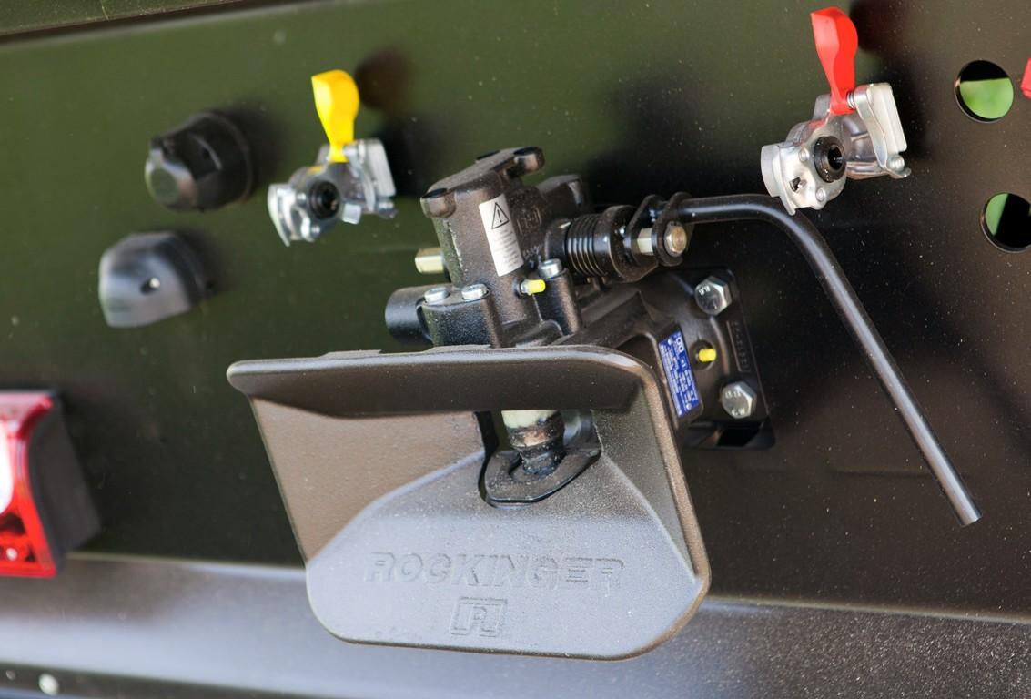 Brantner Kipper und Anhänger - automatische Anhängerkupplung