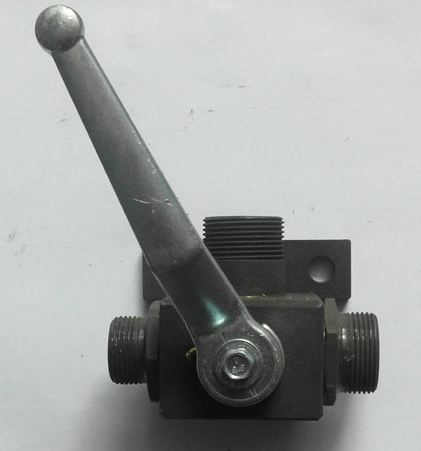 Brantner Kipper und Anhänger - HD Dreiwegehahn 18/18/15 ohne T-Bohrung verzinkt