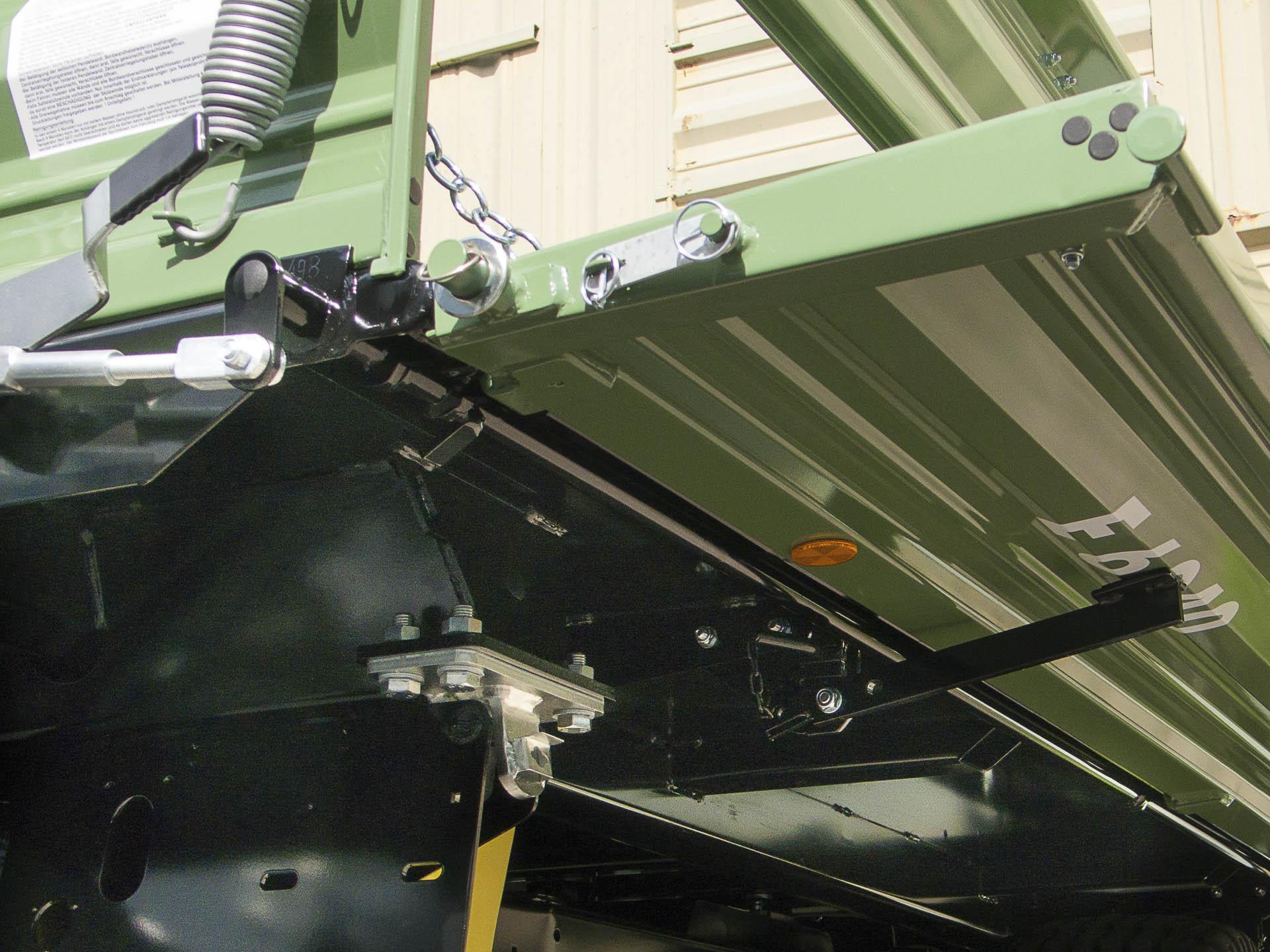 Brantner Kipper und Anhänger - Garnitur Schrägstellstützen mit Eckketten,