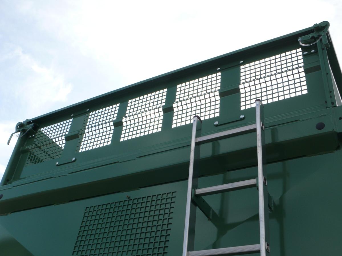 Brantner Kipper und Anhänger - Sichtgitter über die gesamte Breite