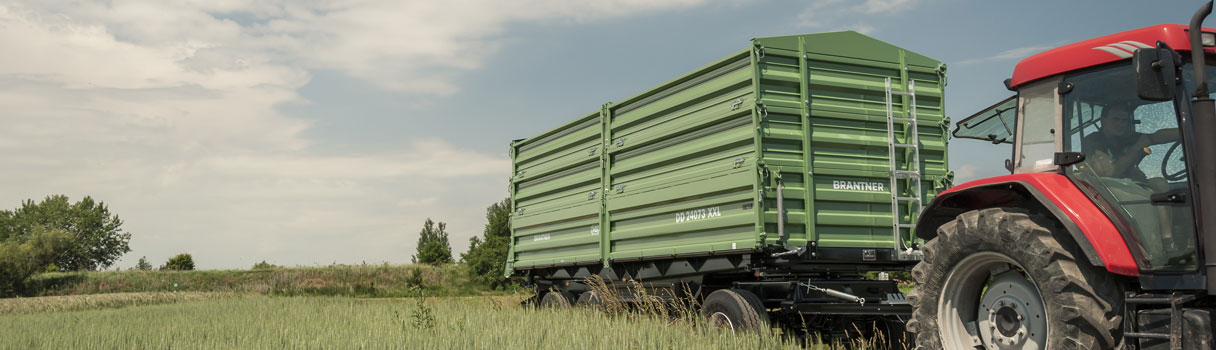 Brantner three-axle threesidetipper DD 24073.